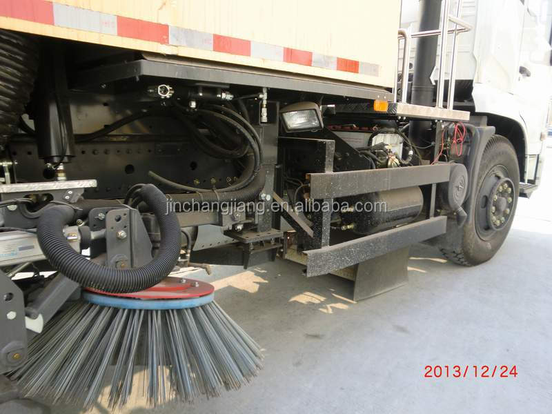 High Performance Vacuum Street Sweeping Truck