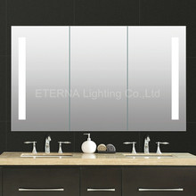 CE IP44 Bathroom Illuminated LED Mirrored Cabinet