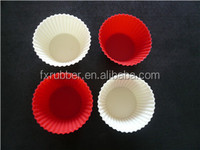 China fresh design food grade silicone two color cake cups