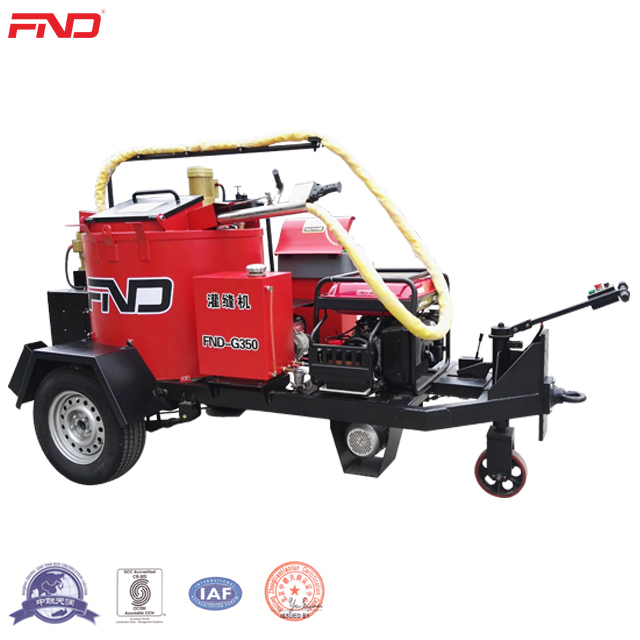FND-G350 Self Propelled Road Crack Sealing Machine With Asphalt Melter Kettle For Pothole Repairing