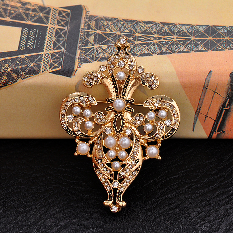 Manufacturers of Women Brooches
