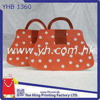 Hot Selling Red in Color Paper Shopping Gift Bag with Dotted Shaped for girls