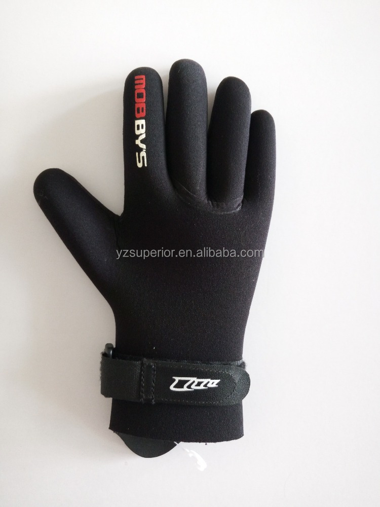 waterproof neoprene scuba swimming and diving gloves