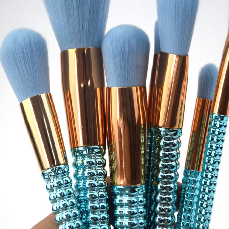 shiny green makeup brushes (6).jpg
