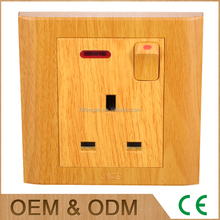 Best Quality British Standard 13A yellow wood grain square socket with neon light