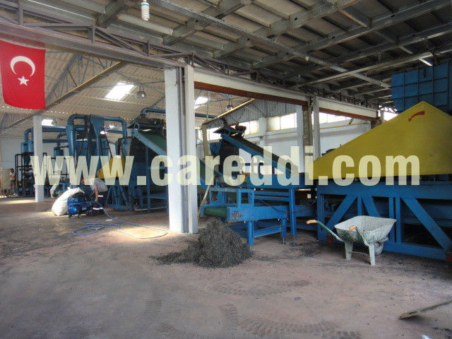 Competitive tire recycling machine