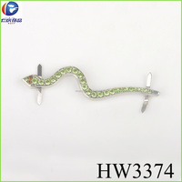 The green rhinestone snake with silver plating color sew in the garment for decoration