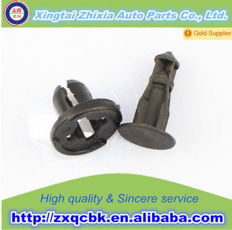 HOT ! Pluggable auto plastic clip/Auto Clips and Plastic Fasteners Accessory of high performance