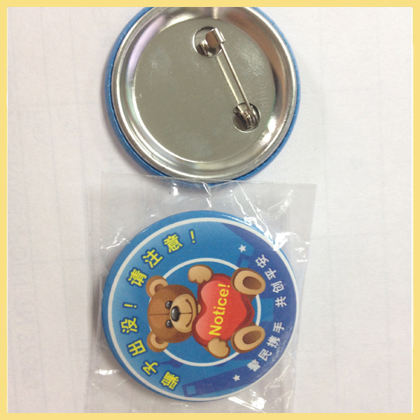 Chinese gifts factory low price round customized pin badges