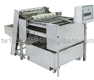 Egg peeling machine