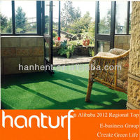 Naturely fake grass to decorate your sunroom