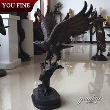 Hot Sale Zoo Decorative Outdoor Bronze Flying Eagle Sculpture