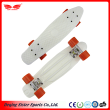 Enjoyable hot selling outdoor sports equipments plastic skateboard