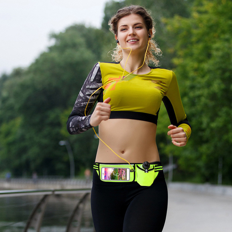 2018 Amazon trending multifunction elastic waist belt with water bottle and touchscreen flap