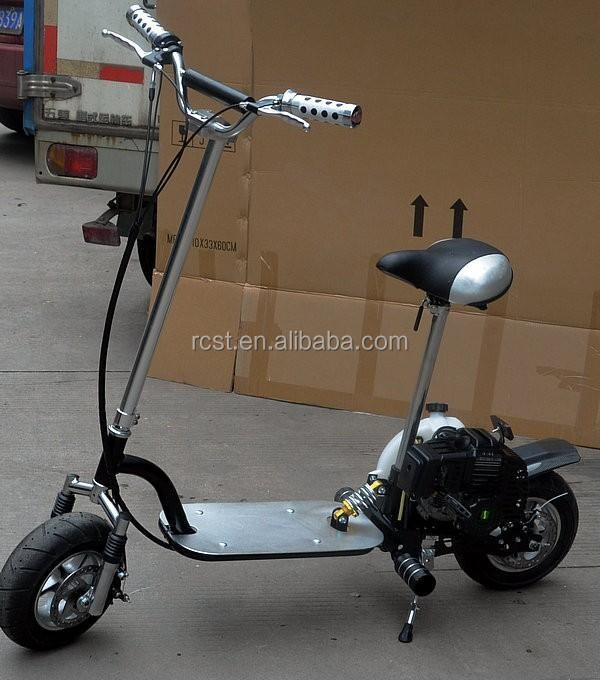 Foldable petrol scooter