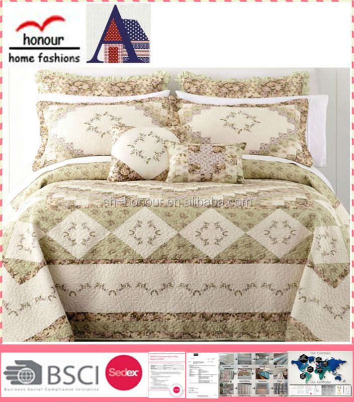 Bed Coverlet/Patchwork Quilt