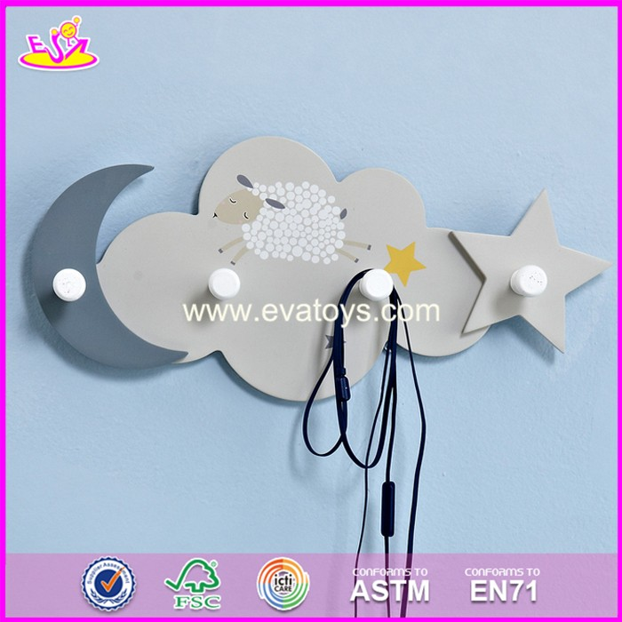 2017 New design beautiful kids wooden decorative hooks for sale W09B074