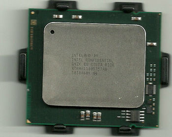 Intel Xeon E7-8870 2.4GHz 30MB 6.4GT/s Socket 1567 - QS Q4ZK