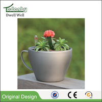 Tea cup and saucer flower pot plastic wholesale