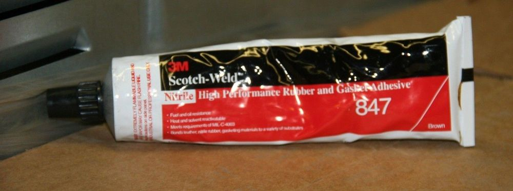 Nitrile Rubber and Gasket Adhesive 5 oz 3M Scotchweld 847