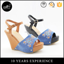 New design fashion ladies heel shoes sandal