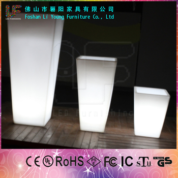 Hot Sale Lowest Price LED Flower Planters with LED lighting Garden Decoration Popular 16Color Changing Plastic Tall Flower Pots