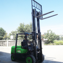 Made in China best service ALFA series engine ISUZU C240 2.5 ton diesel forklift with price