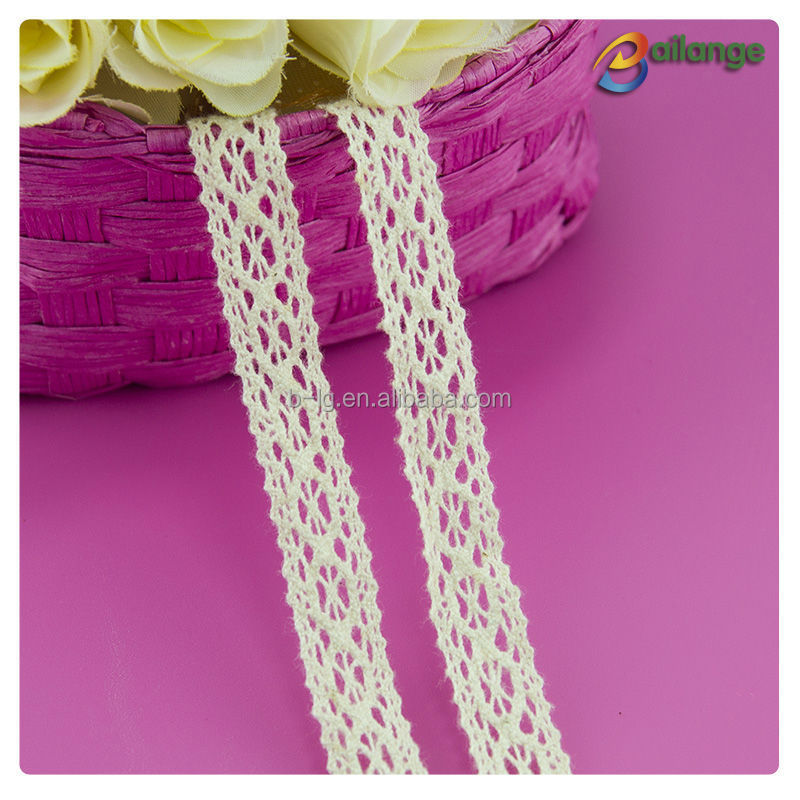 high quality white floral lace trim for wedding dresses , cotton guipure lace trim