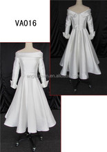 Elegant long sleeve satin wedding dress /full-length satin wedding dress with button down in back