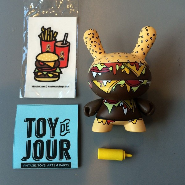 "DUNNY 3"" SERIES KIDROBOT URBAN VINYL FIGURE WITH STICKER"