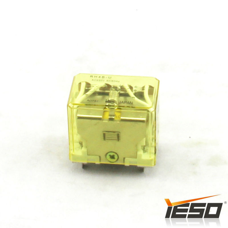 RH4B-U Idec Relay Made In Japan Electronic Products