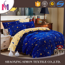 Custom Luxury pillow four poster bed character bedding sets
