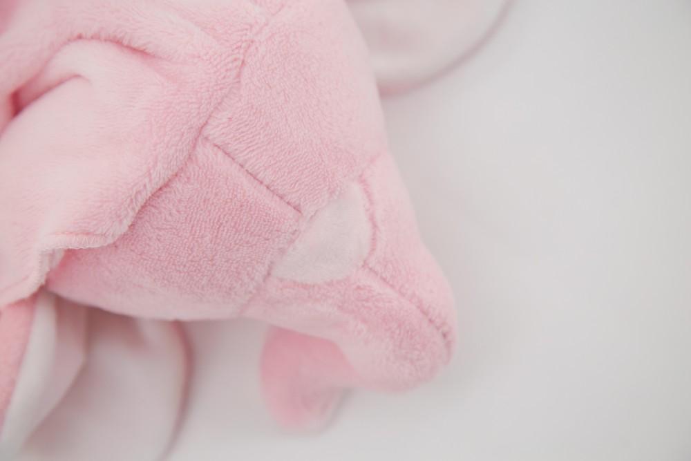 Meilleure Vente Bébé Produit Doux Corail Polaire Pousser Bière Rose Jouet Epais Bébé Mince Couverture Pour Bébé