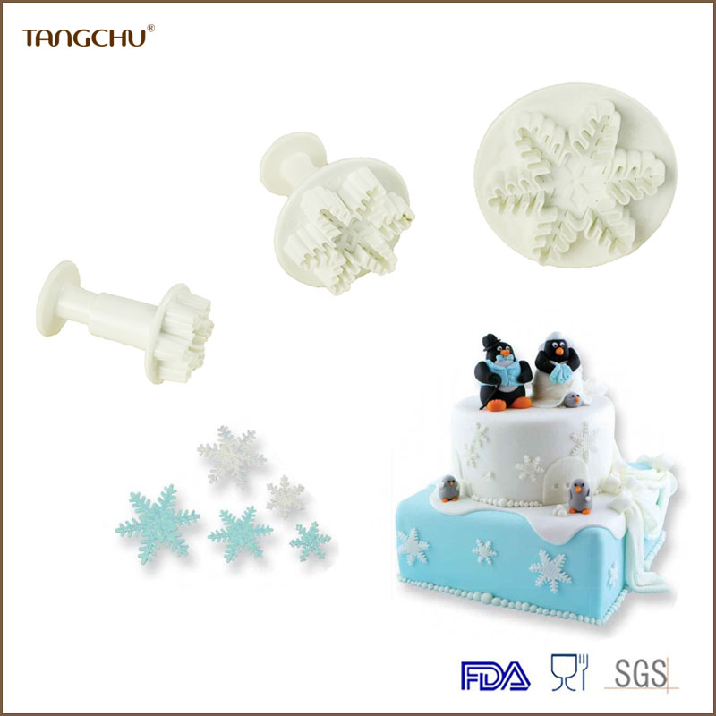 Snowflake shape plastic plunger cutter/cookie cutter set/embossed mold
