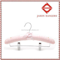 S052 Novelty coat hangers