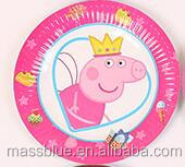 Pink color paper plate with a cute pig