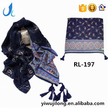 RL-197 New Arrival bohemian style tassels cotton scarf women Paisley printed kerchief muslim hijab beach stoles /scarves