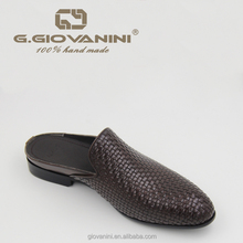 2018 Summer fashion Gentleman slippers cowhide woven uppers coffee Waxing skin men footwear designs slippers