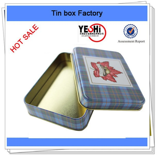 Customized Paper and plastic cards packed into tin box for game