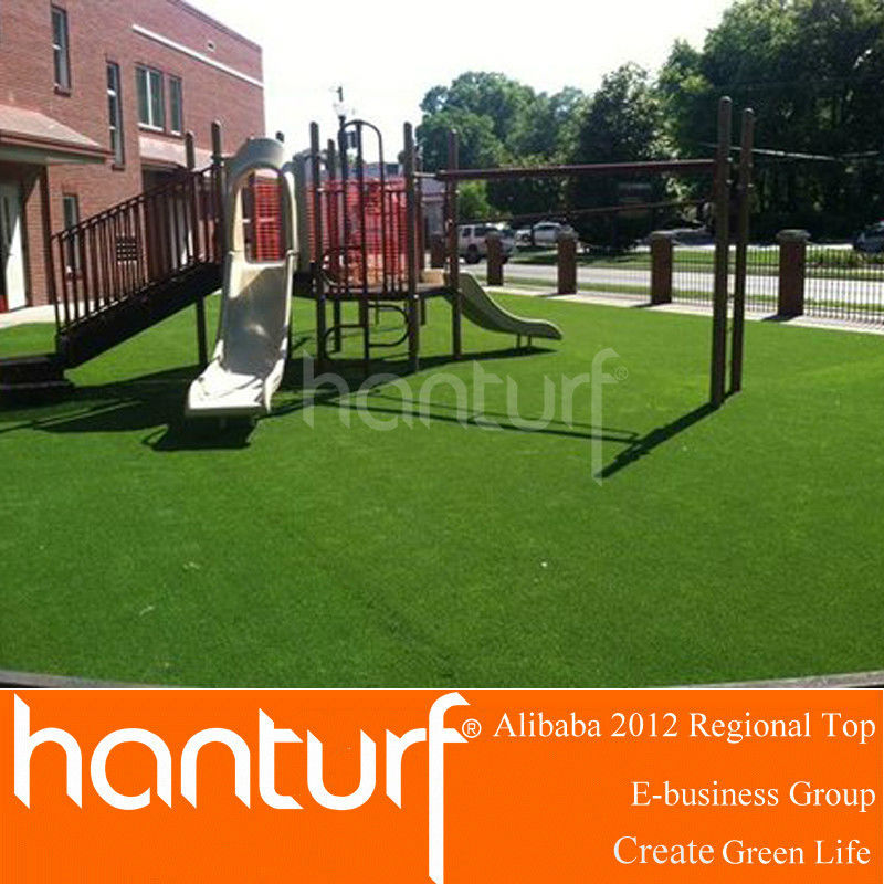 No heavy mental elements kids playground artifical grass