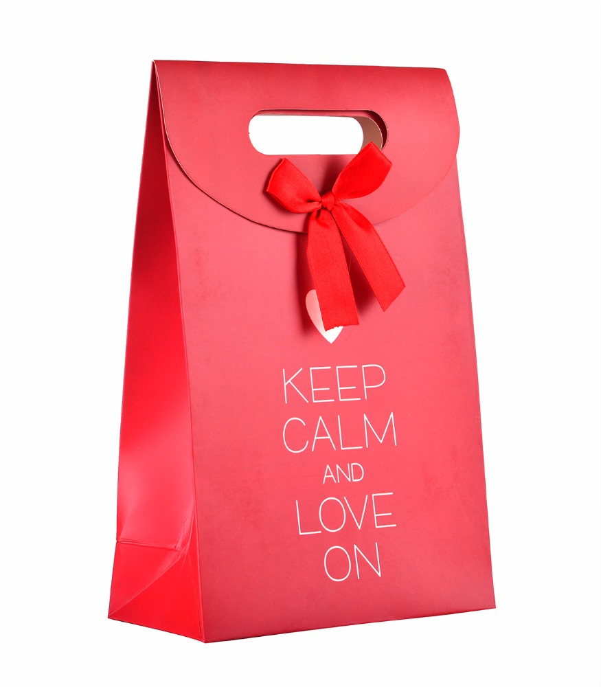 China suppier cheap customized recycled sweet wedding paper bag