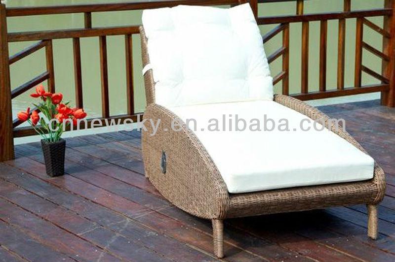 Chaise longue de jardin en r sine tress e cns3046 outils - Chaise longue resine tressee ...