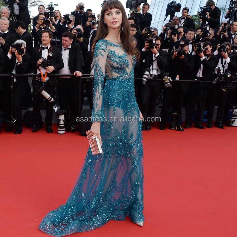 Celebrities see through Wardrobe Malfunction Red Carpet ...