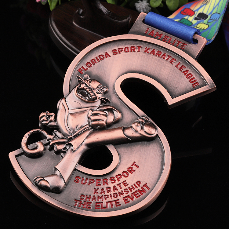 Shuanghua custom zinc alloy 3D metal karate championship sports medal
