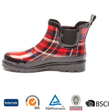 2017 hot selling elastic side panels textile lining plaid printed wellies ankle rubber rain boots women