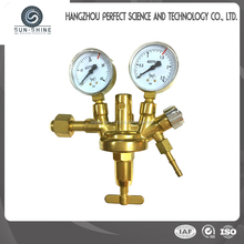 High Quality Acetylene Gas Cylinder Regulator With MeterAR-04