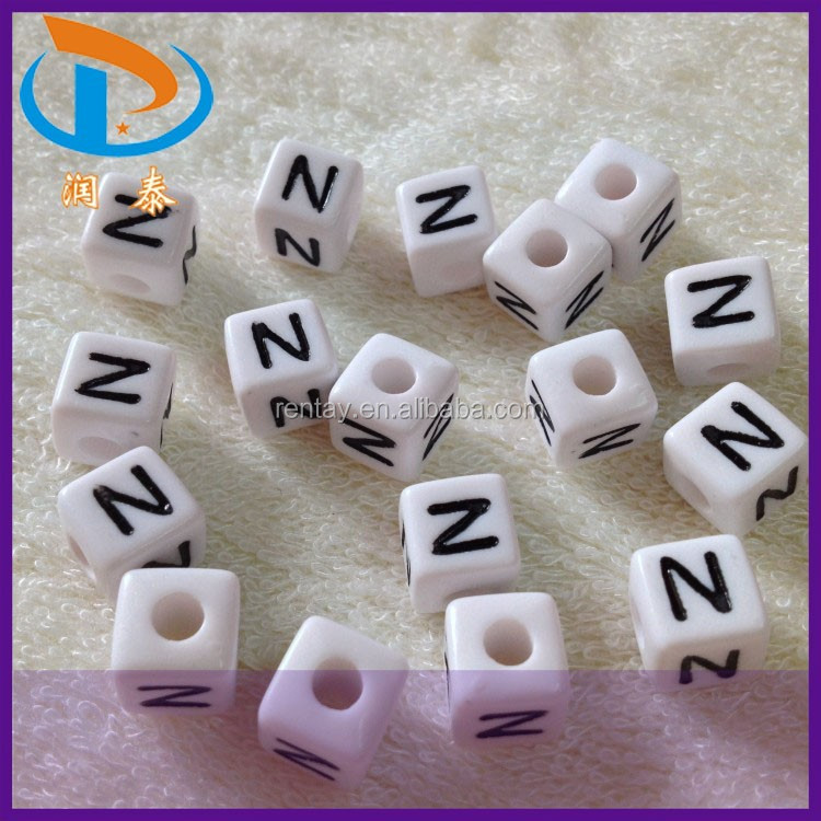 "Most Popular 10*10mm ""<strong>N</strong>"" Black and White Cube Plastic Beads Alphabet"