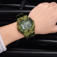Pesirm Hot Selling Popular Fashion Classical Sports Military Chrome Mens Digital Watches Mens For Casio