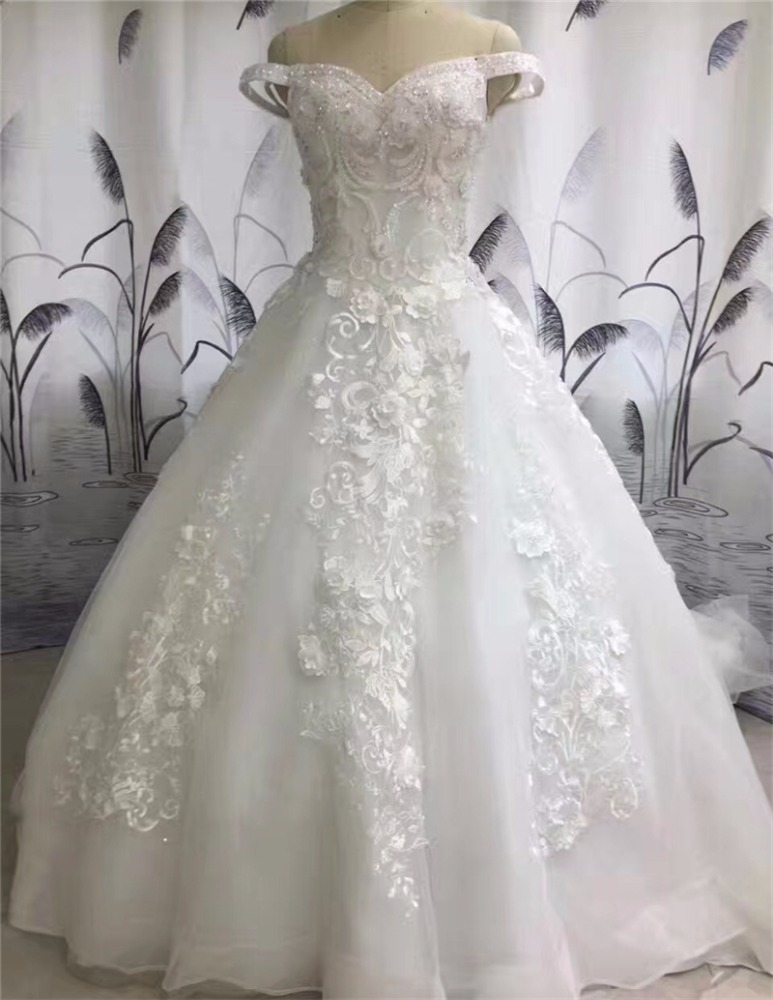 2017 Fashion Trendy French Style Off-shoulder Gorgeous Ball Gown Wedding Dress