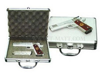 Aluminum Padded Pistol or Camera Case, Metal Carry Hand Gun Storage Locking Safe KL-GDR405